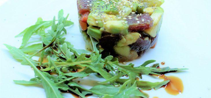 Tartar de atún y aguacate fácil, en 10 minutos